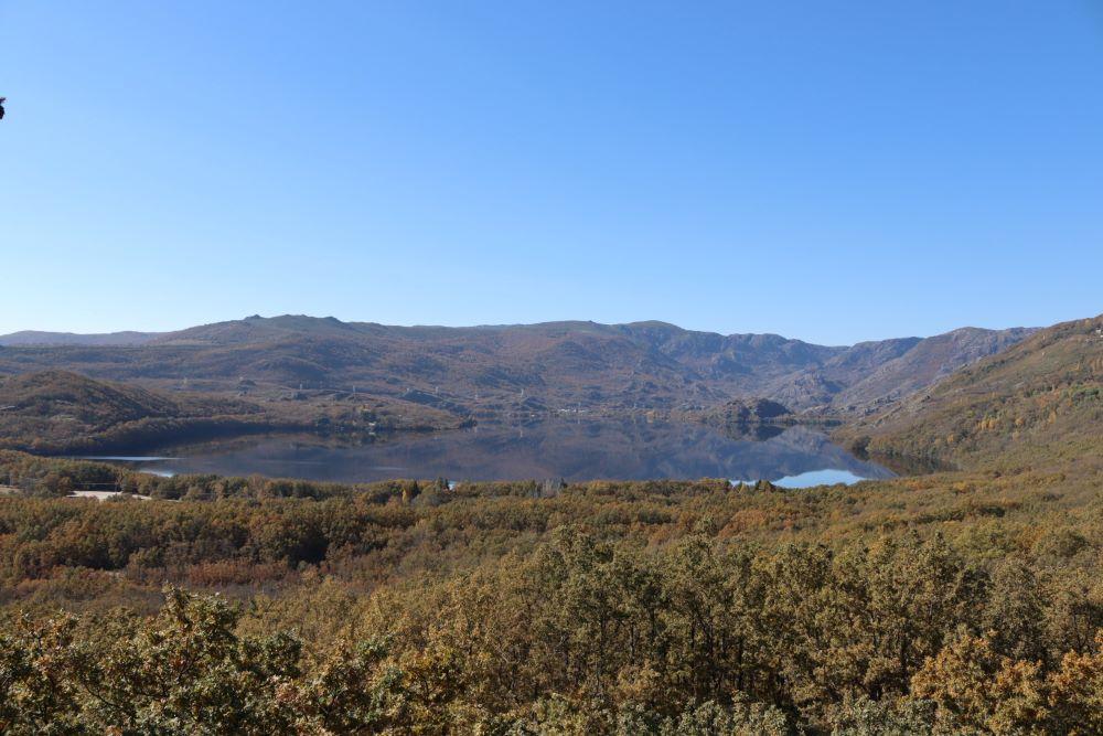 Lago de Sanabria desde Sanabria Lake